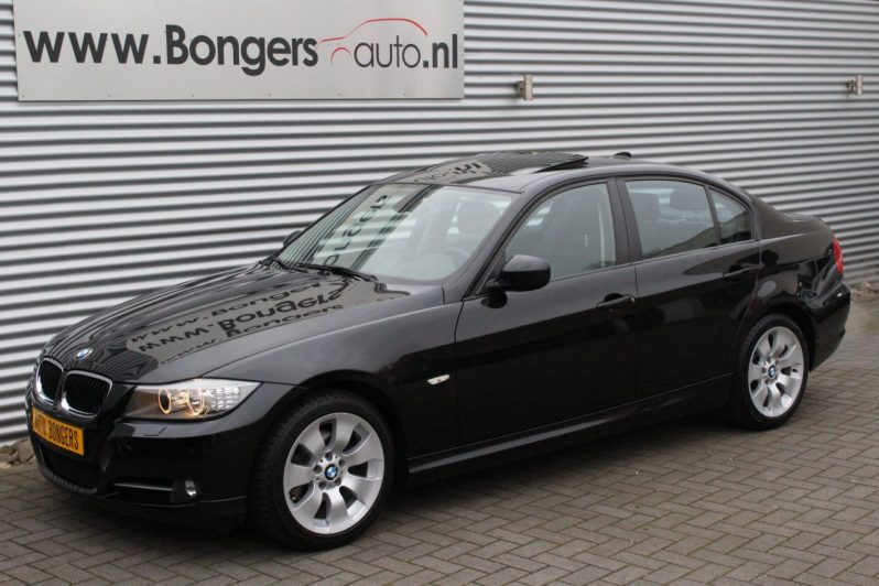 BMW 320i High Executive volledig