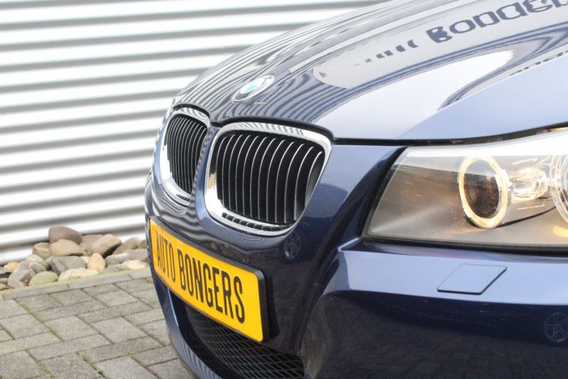 BMW 318i Touring Edition Automaat volledig