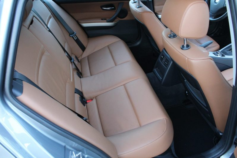 BMW 320i Touring High Executive Automaat volledig