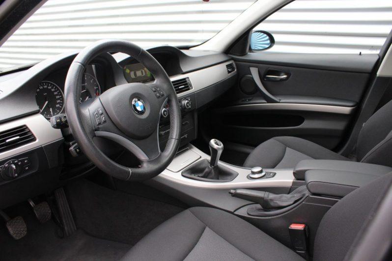 BMW 320i Executive volledig