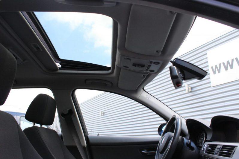 BMW 320i Executive Automaat volledig