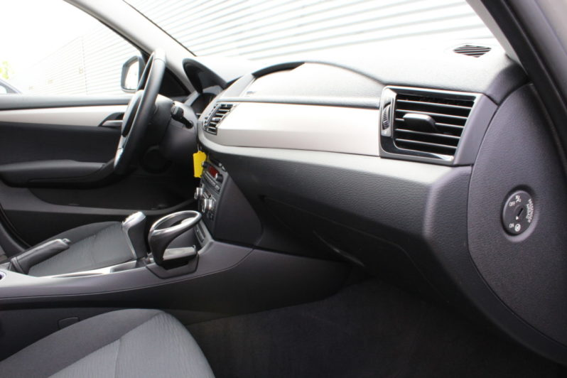 BMW X1 sDrive 1.8 volledig
