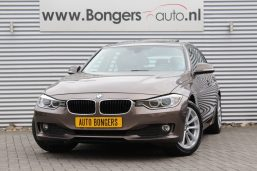 BMW 316i Touring High Executive