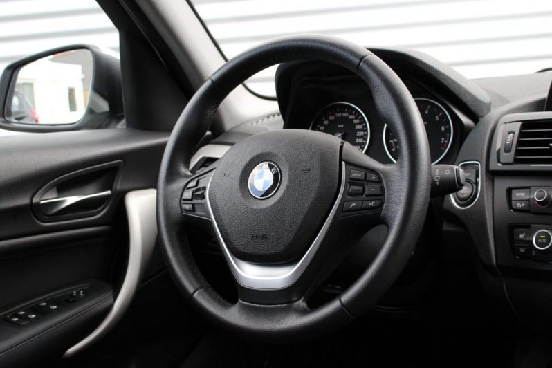 BMW 118i High Executive Automaat 5drs volledig