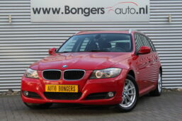 BMW 318i Touring High Executive Automaat