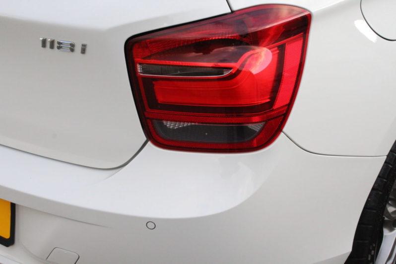 BMW 118i Automaat High Executive 5drs volledig