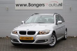BMW 318i Touring High Executive